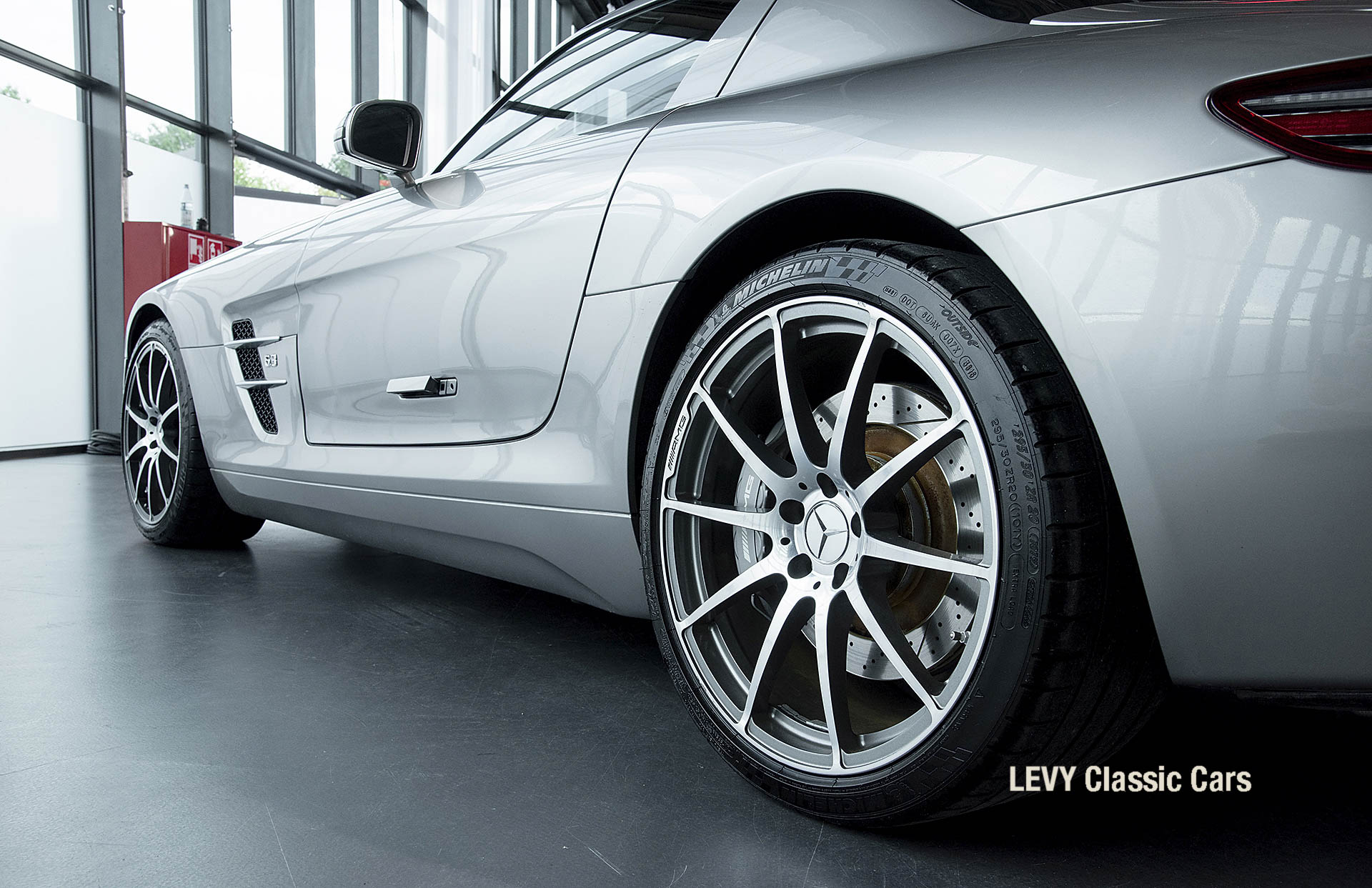MB SLS AMG 6,3 Coupe 05633 029