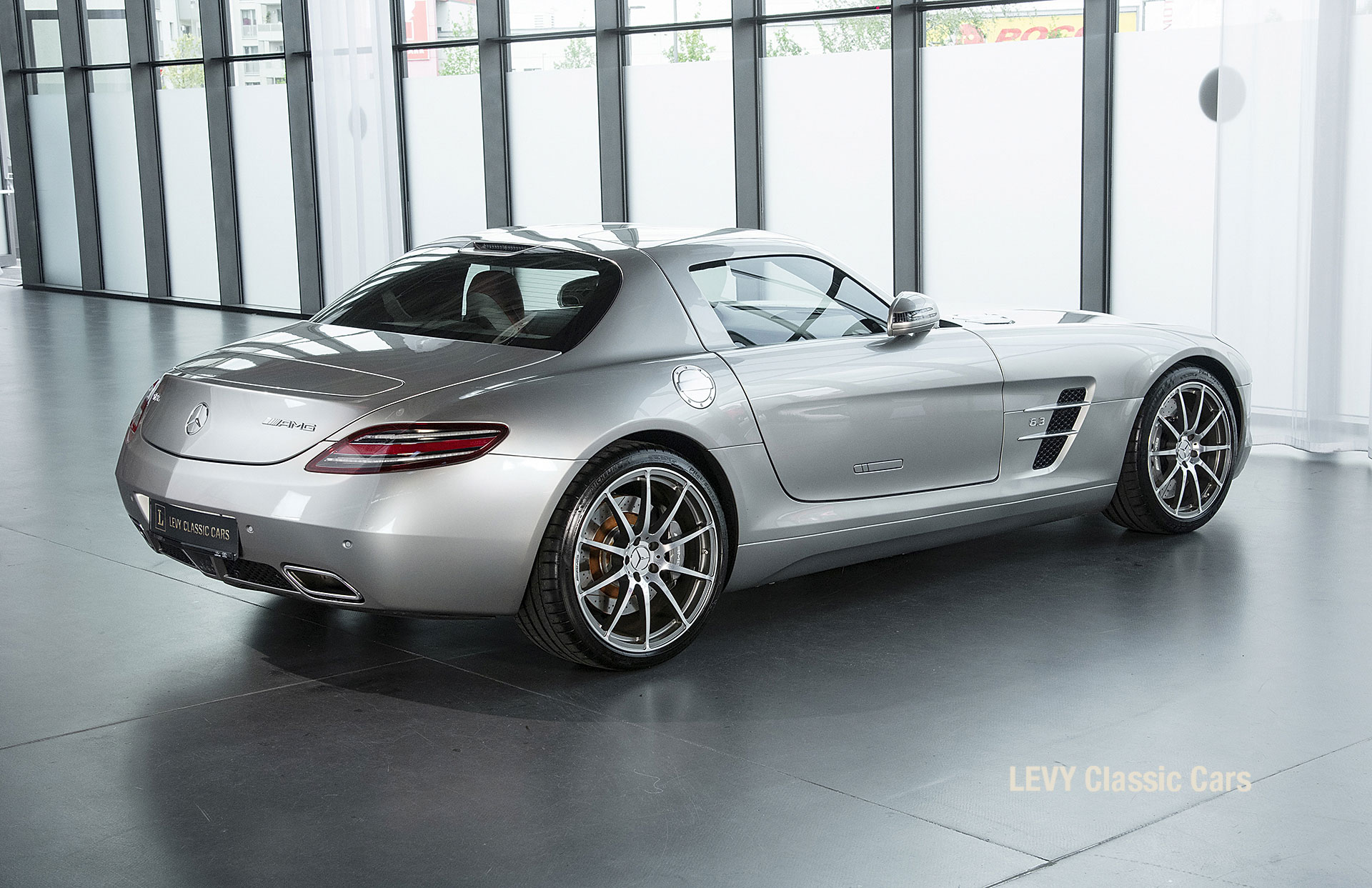 MB SLS AMG 6,3 Coupe 05633 060