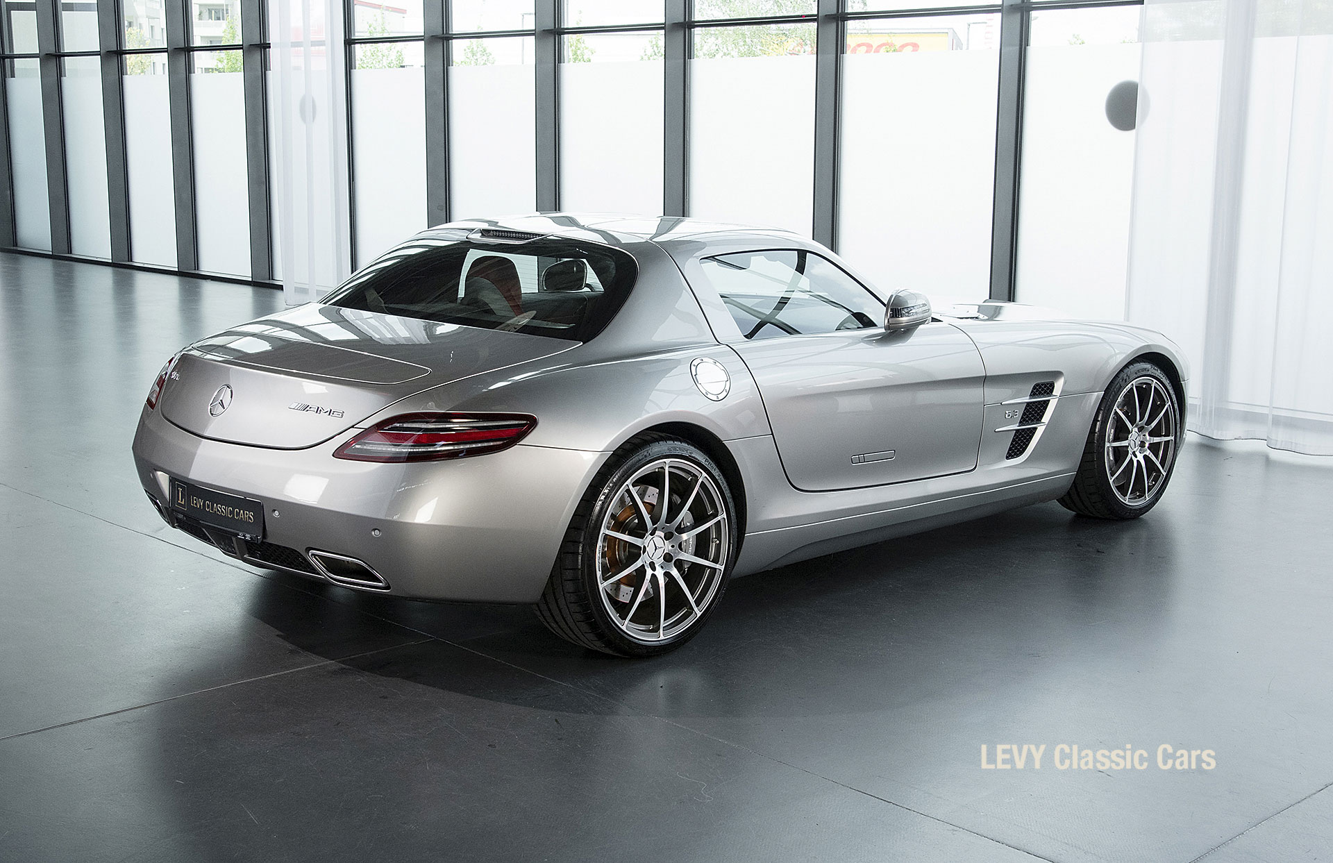 MB SLS AMG 6,3 Coupe 05633 063
