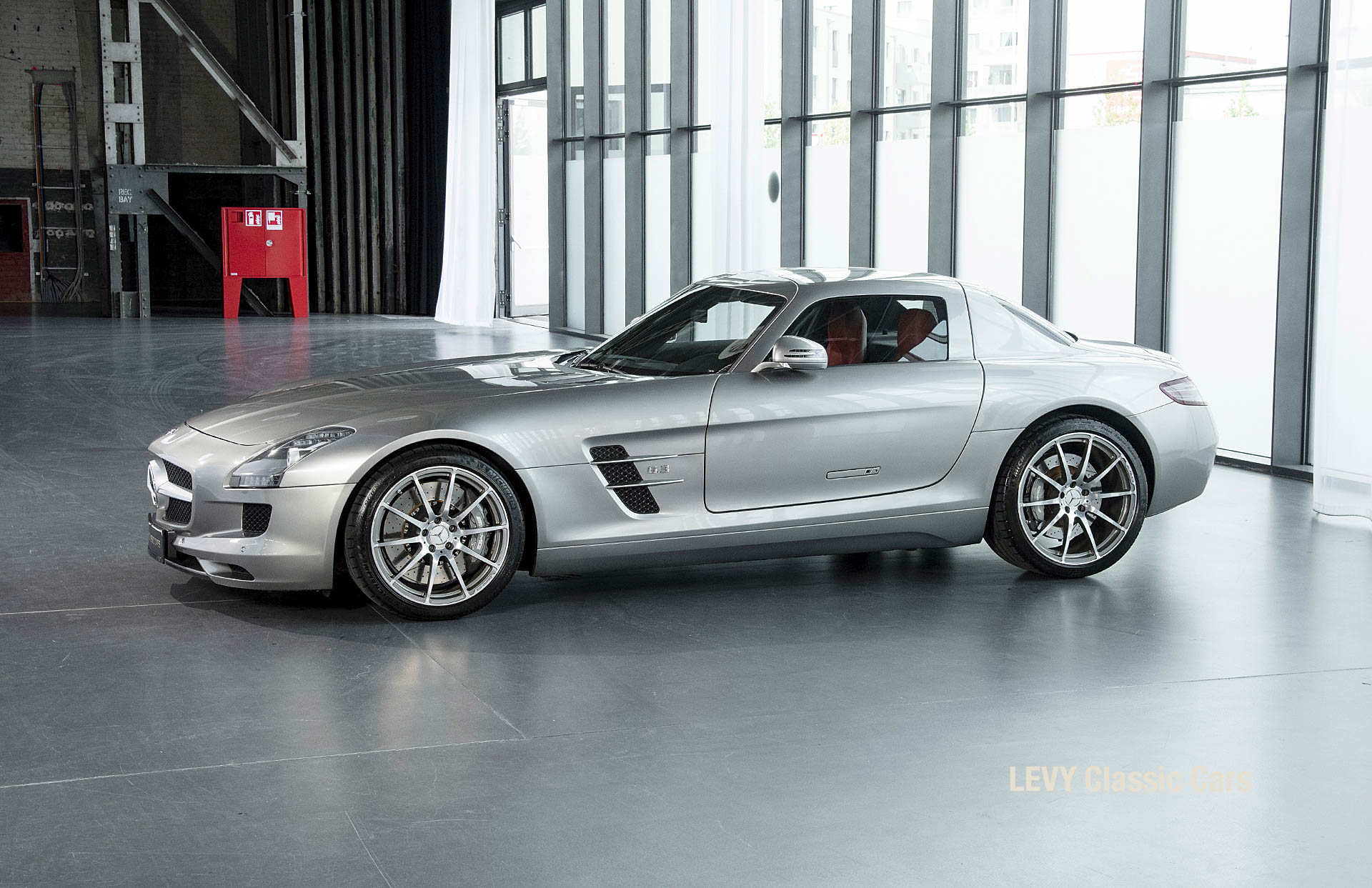 MB SLS AMG 6,3 Coupe 05633 092