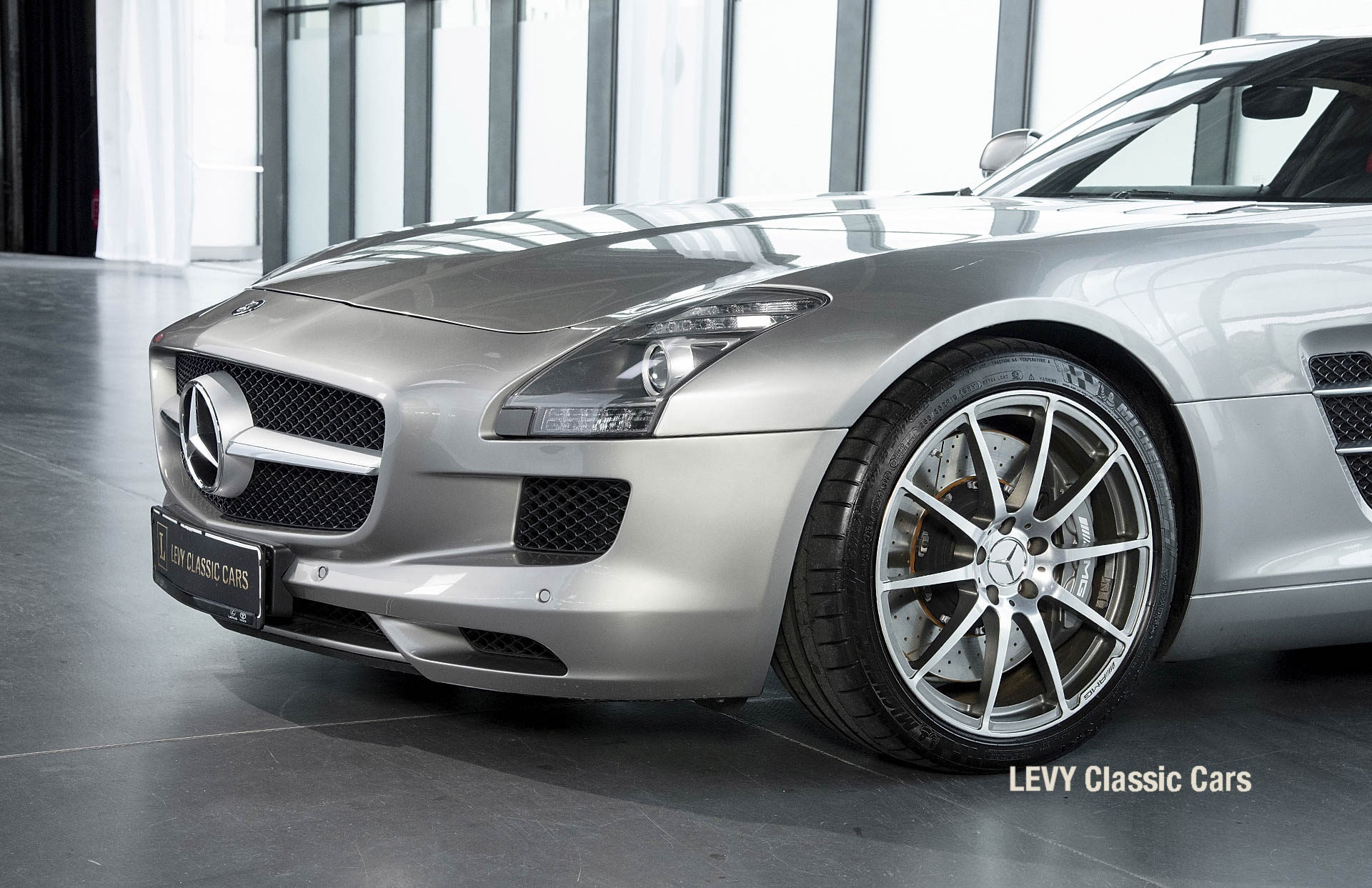 MB SLS AMG 6,3 Coupe 05633 093