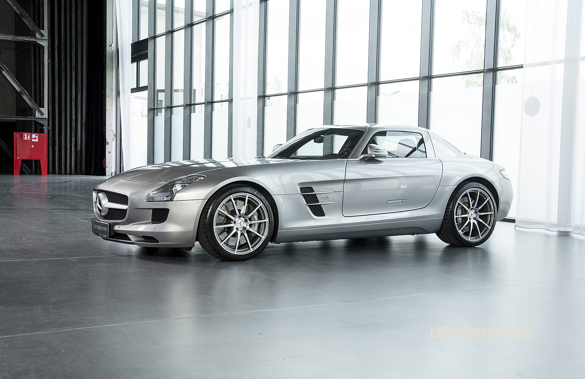 MB SLS AMG 6,3 Coupe 05633 098