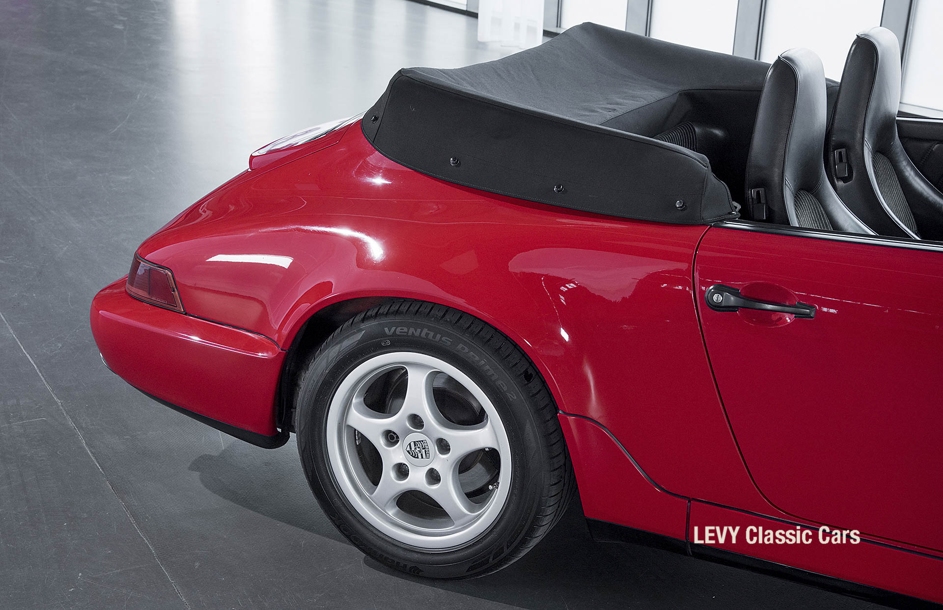 Porsche Rot 964 CC22631 020