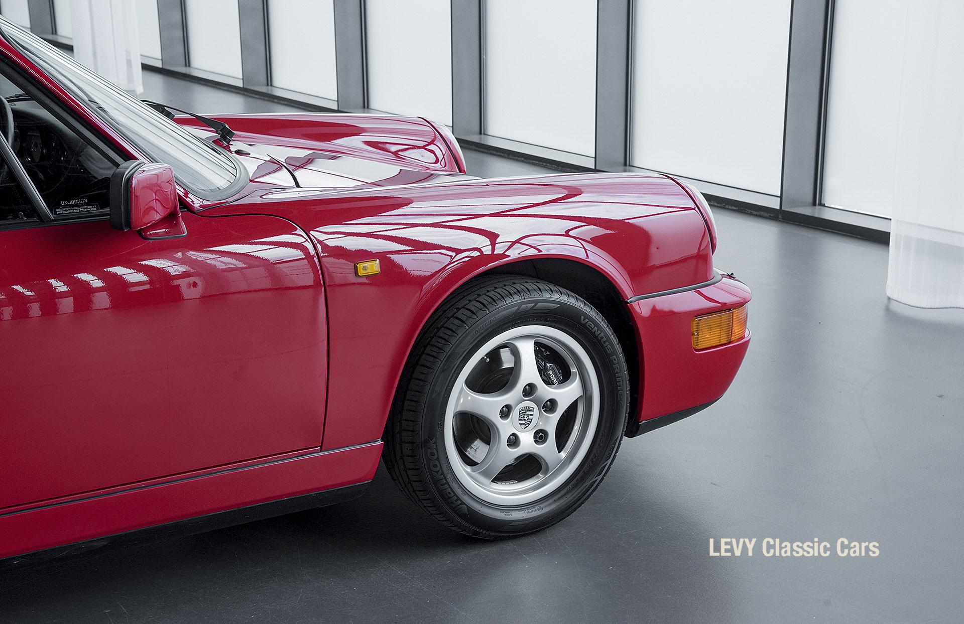 Porsche Rot 964 CC22631 040