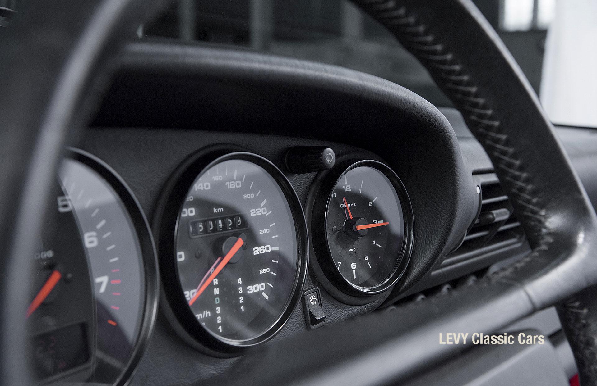 Porsche Rot 964 CC22631 100