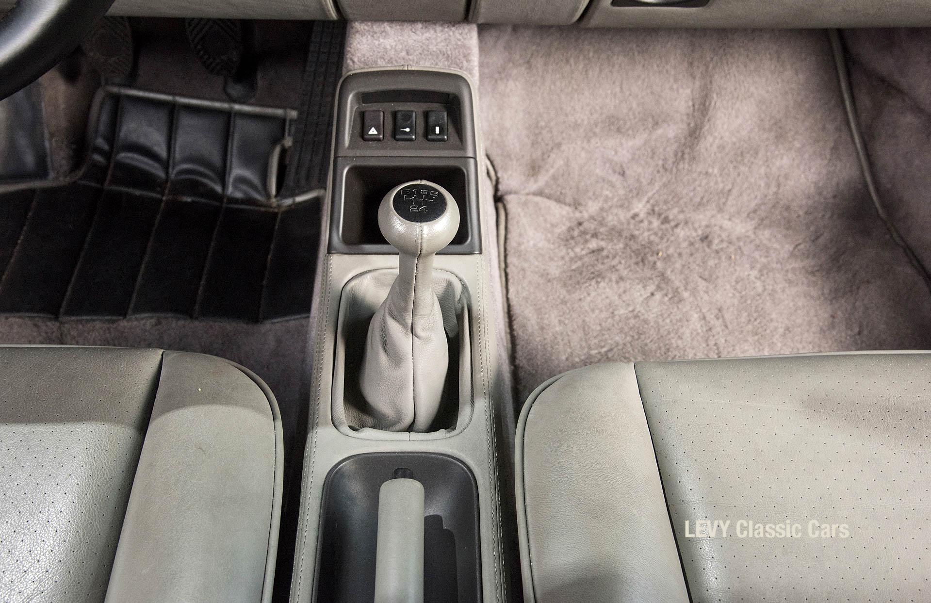 Porsche Turbo 72200 schwarz 10