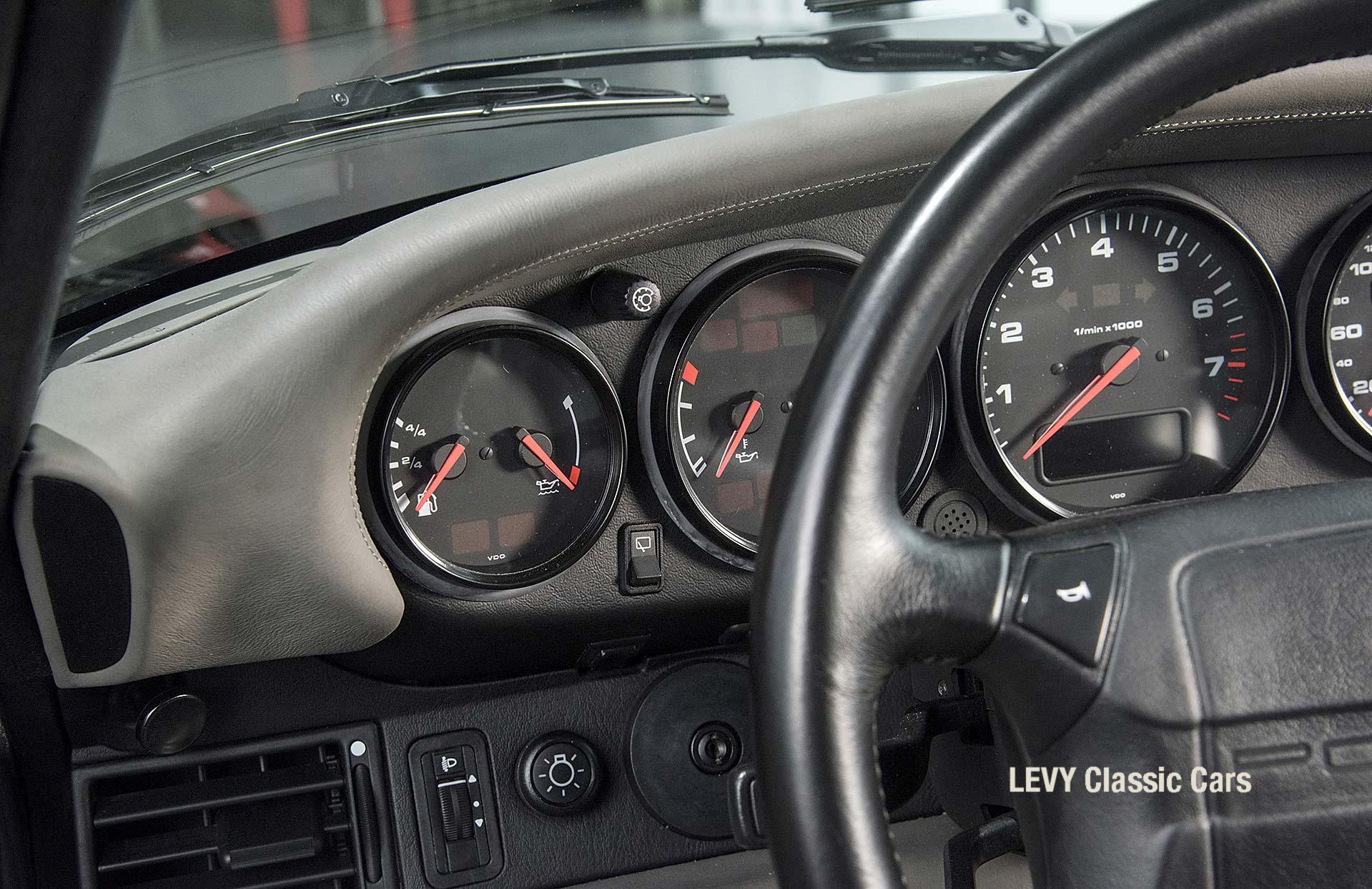 Porsche Turbo 72200 schwarz 15