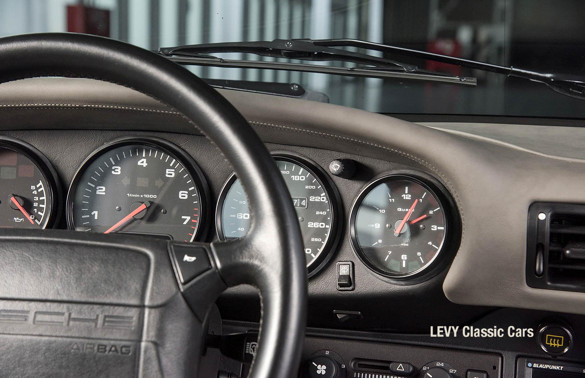 Porsche Turbo 72200 schwarz 32
