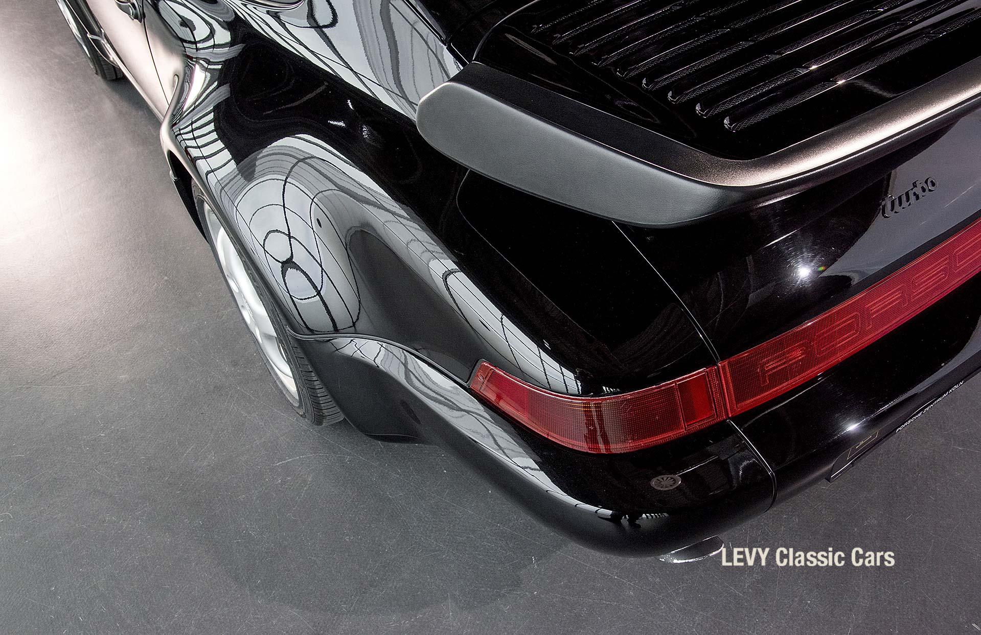 Porsche Turbo 72200 schwarz 51