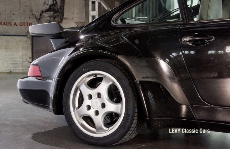 Porsche Turbo 72200 schwarz 53
