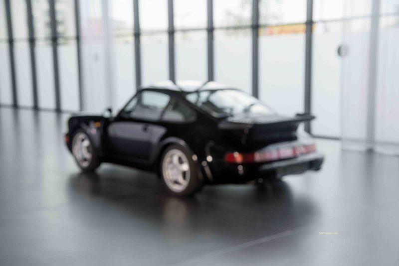 Porsche Turbo 72200 schwarz 75