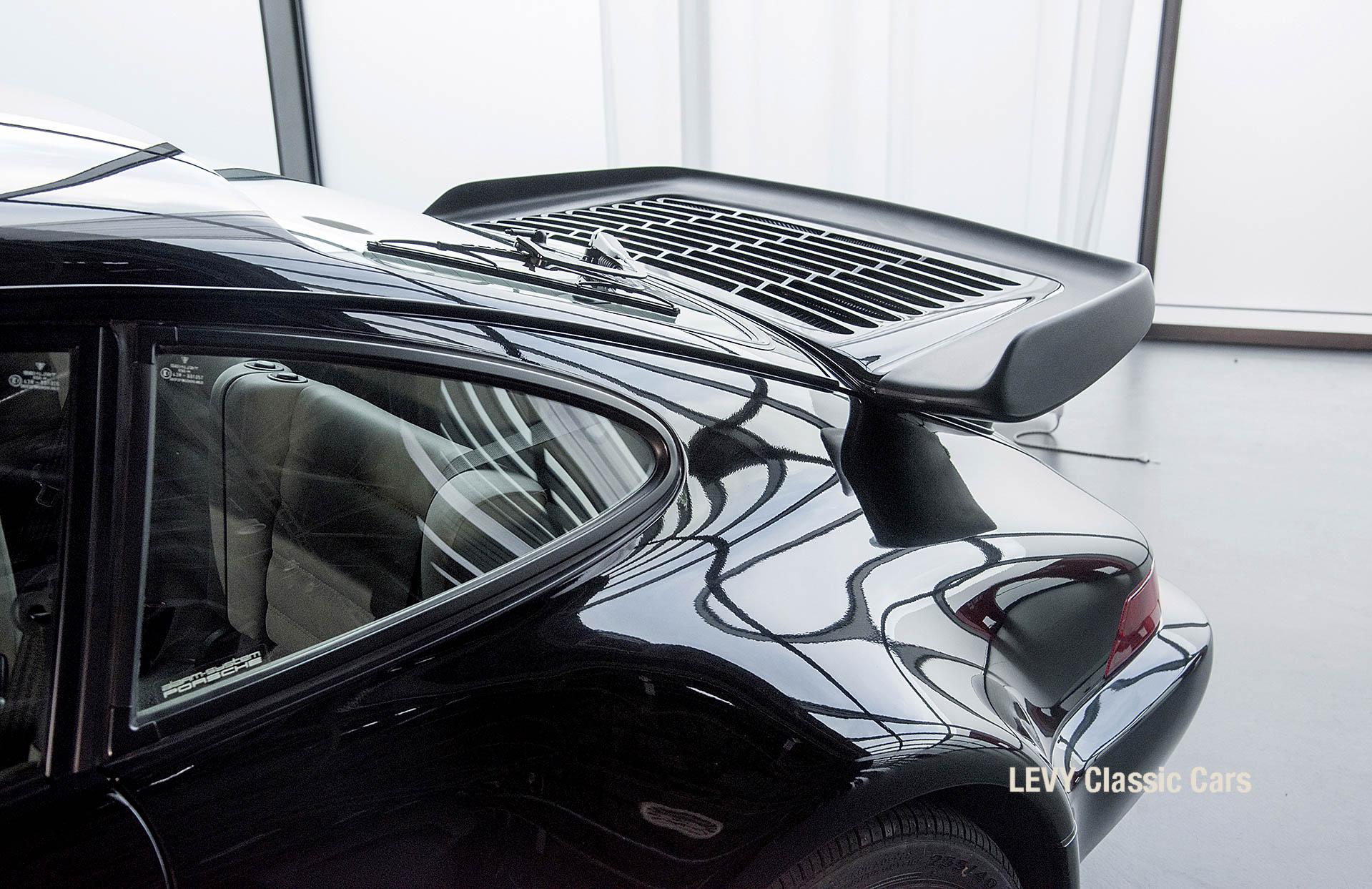 Porsche Turbo 72200 schwarz 78