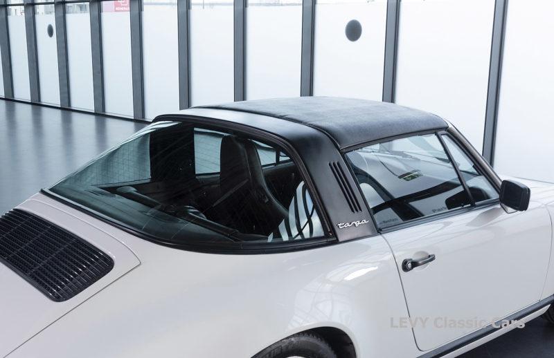 Porsche 911 3.2 Carrera Targa CC61136 058