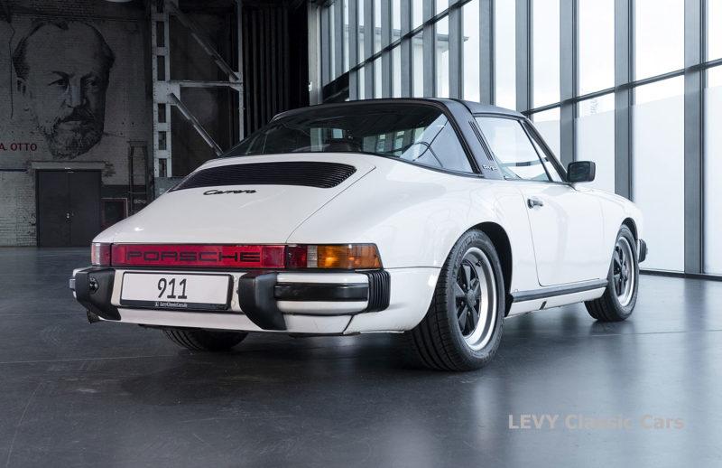 Porsche 911 3.2 Carrera Targa CC61136 065