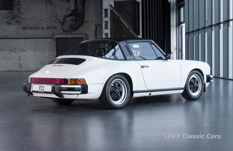 Porsche 911 3.2 Carrera Targa CC61136 068