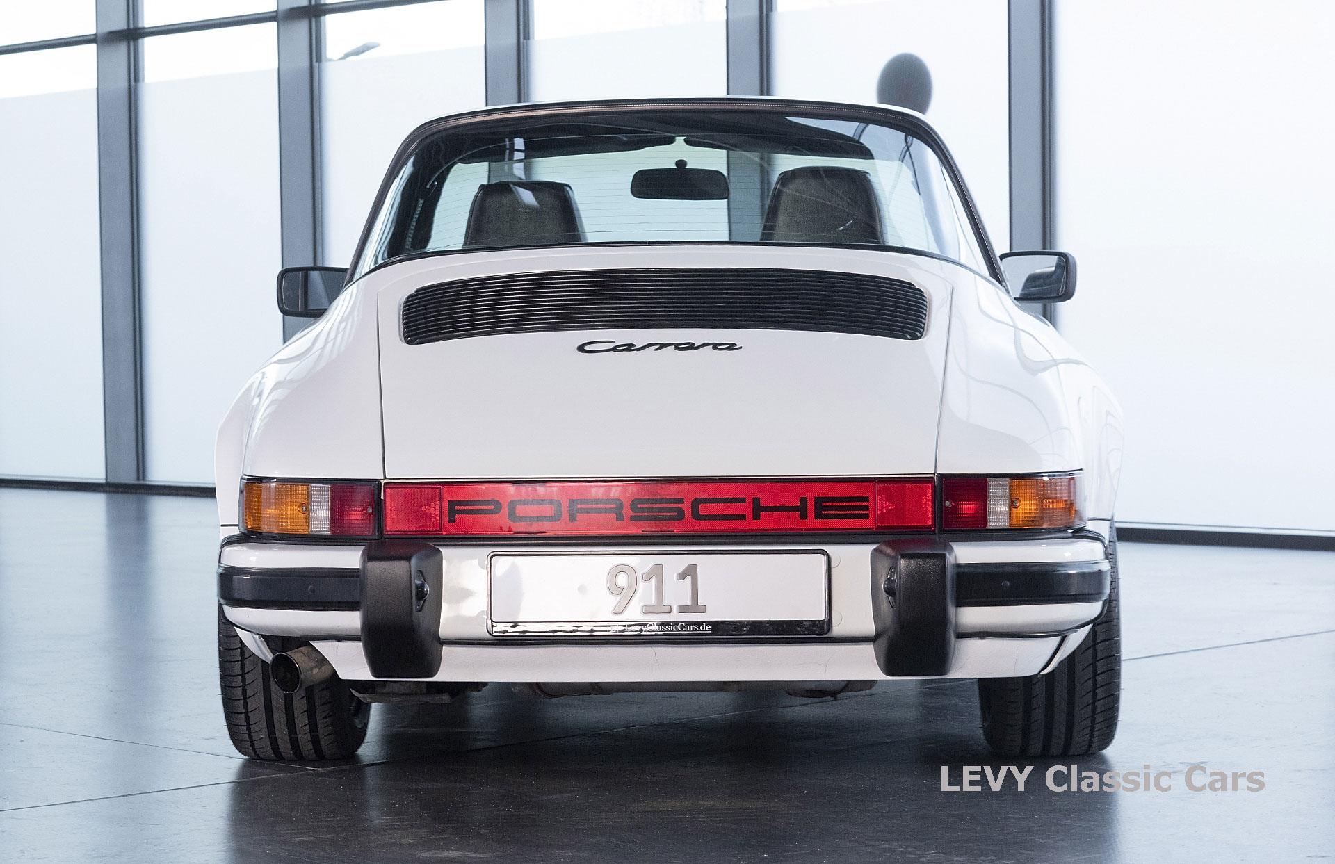 Porsche 911 3.2 Carrera Targa CC61136 071