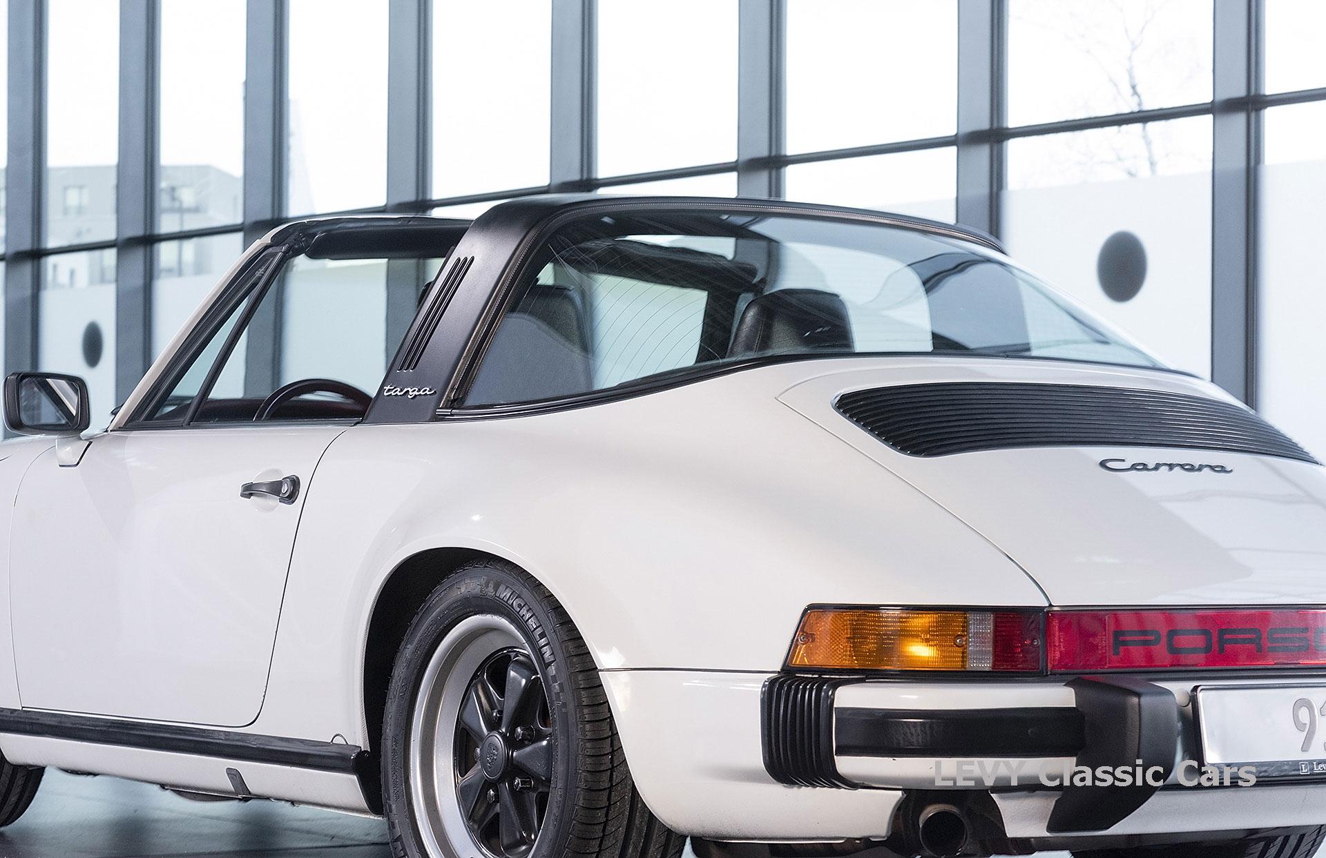 Porsche 911 3.2 Carrera Targa CC61136 077