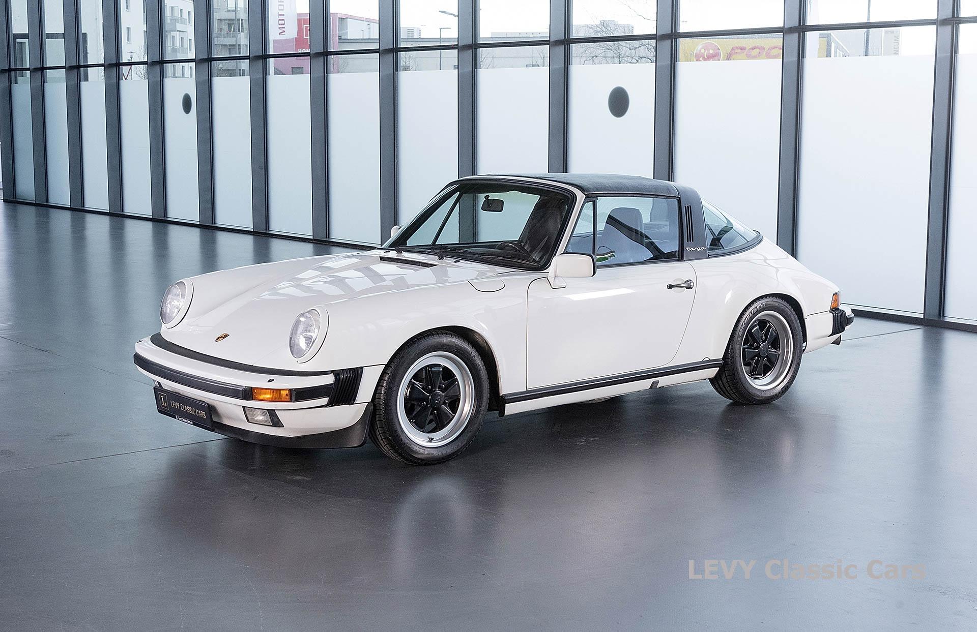 Porsche 911 3.2 Carrera Targa CC61136 088