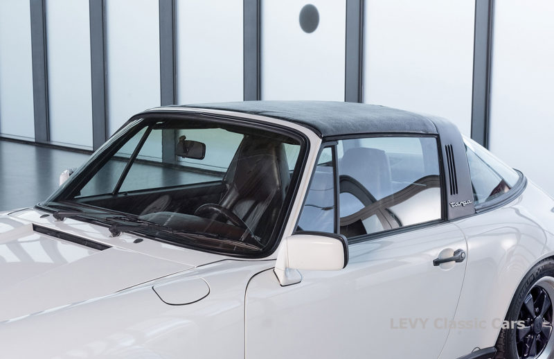 Porsche 911 3.2 Carrera Targa CC61136 092