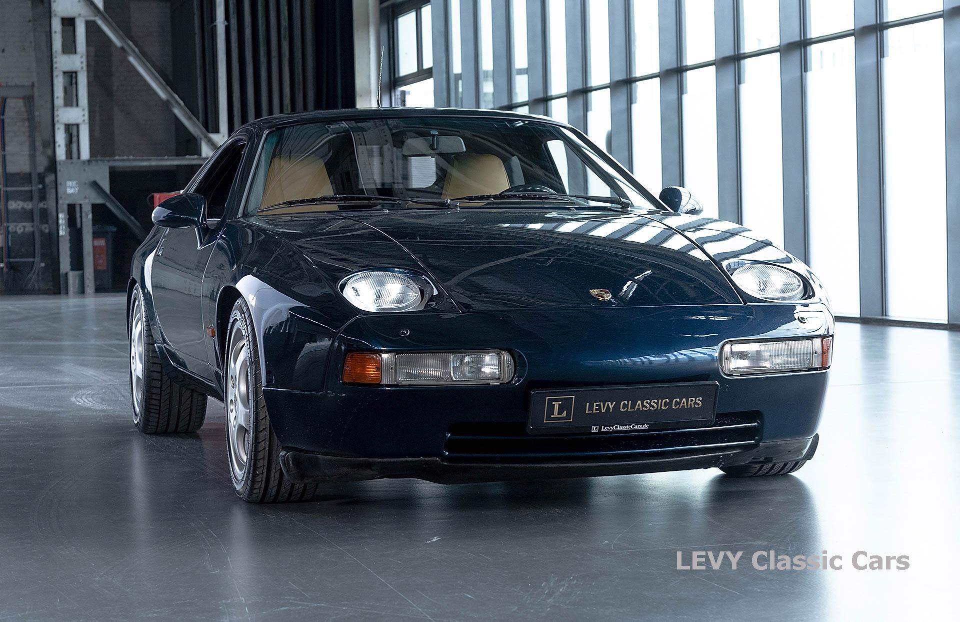 Porsche 928 GTS CC00803 002
