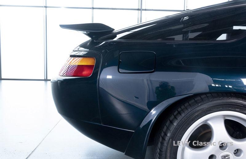 Porsche 928 GTS CC00803 006