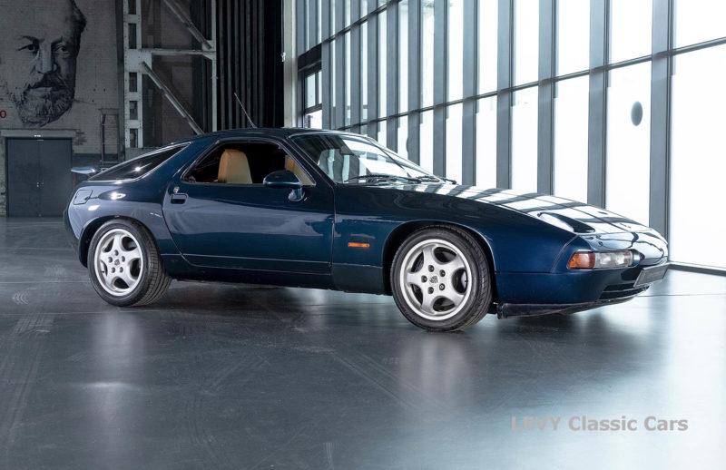 Porsche 928 GTS CC00803 013