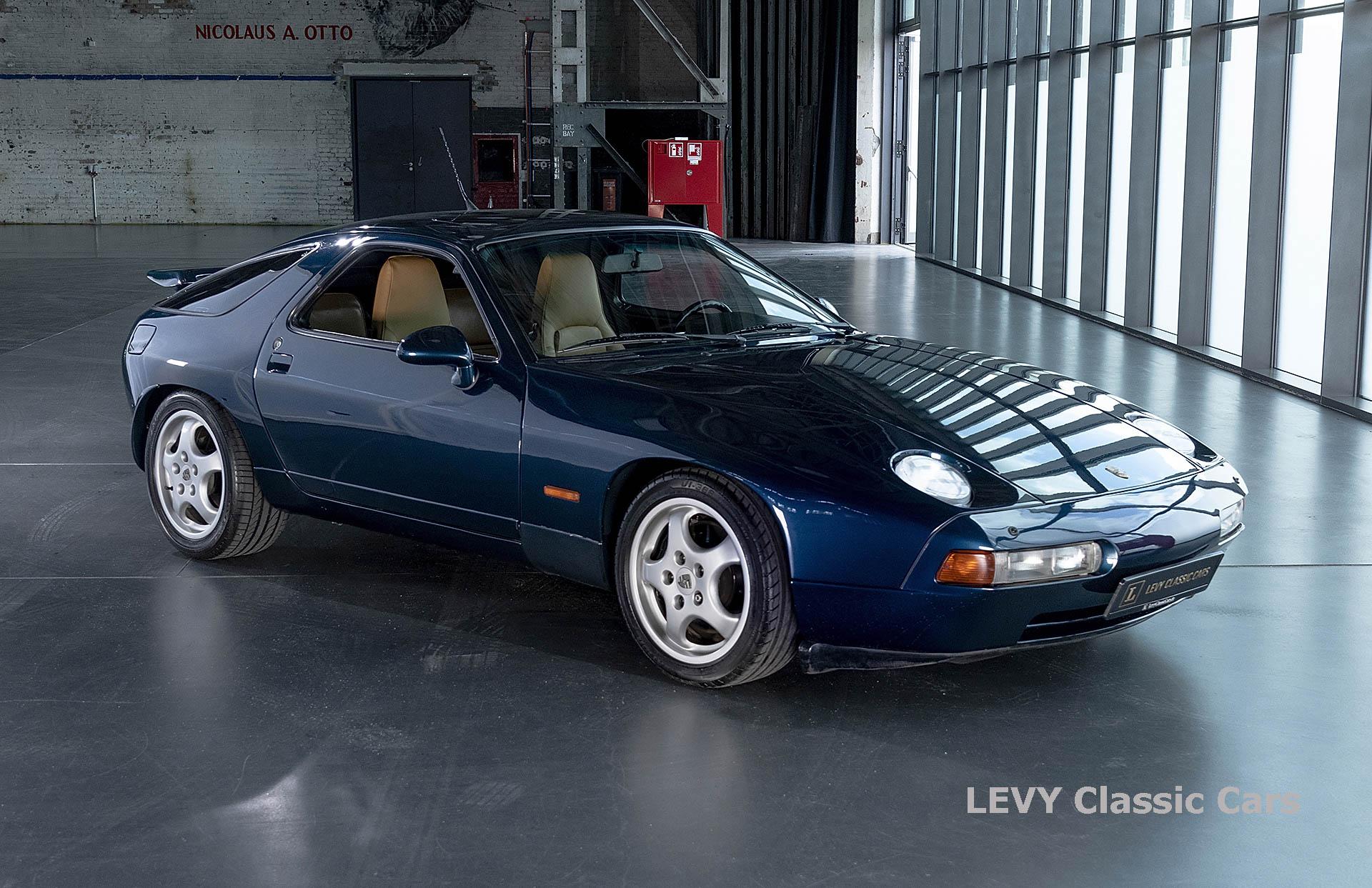 Porsche 928 GTS CC00803 014
