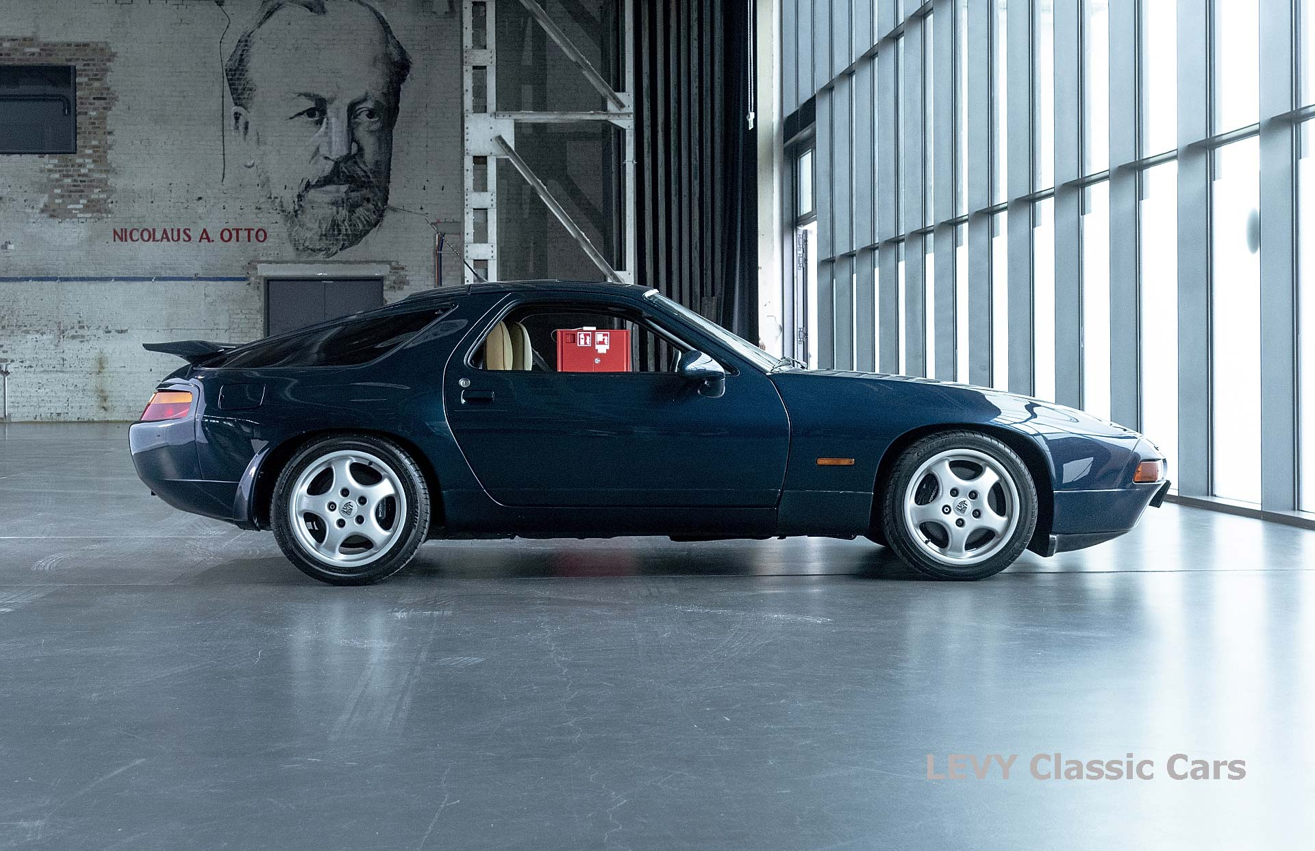 Porsche 928 GTS CC00803 031