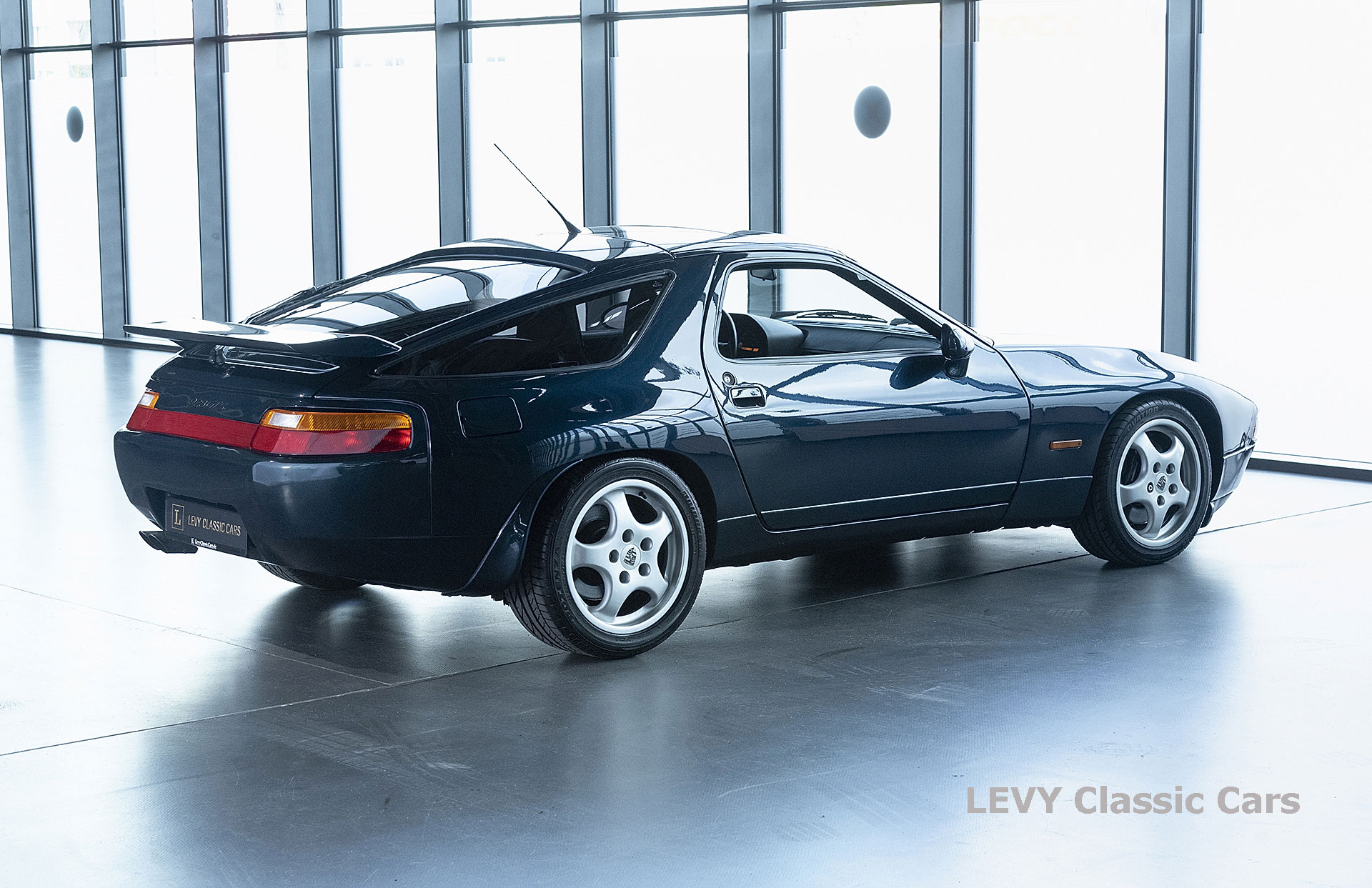 Porsche 928 GTS CC00803 032