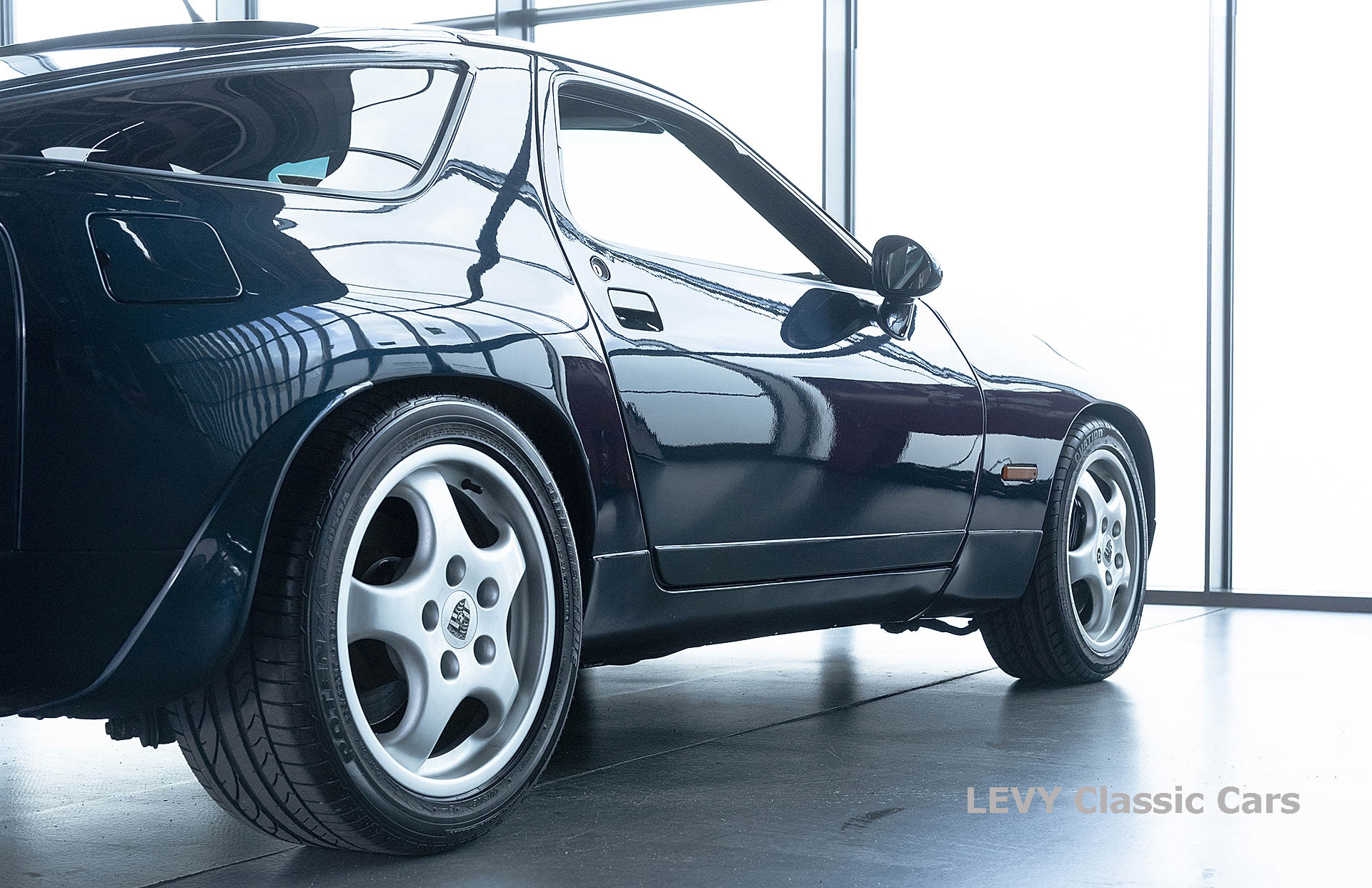Porsche 928 GTS CC00803 037
