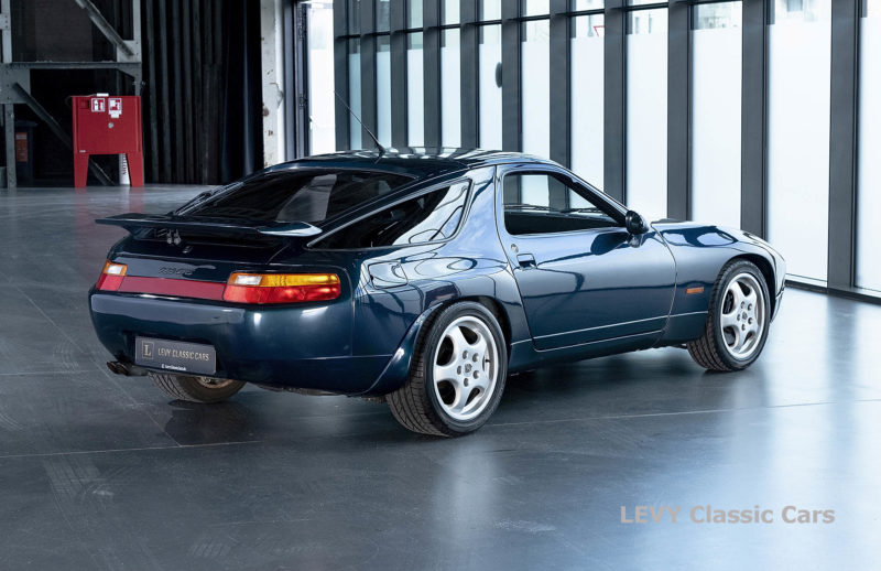Porsche 928 GTS CC00803 044