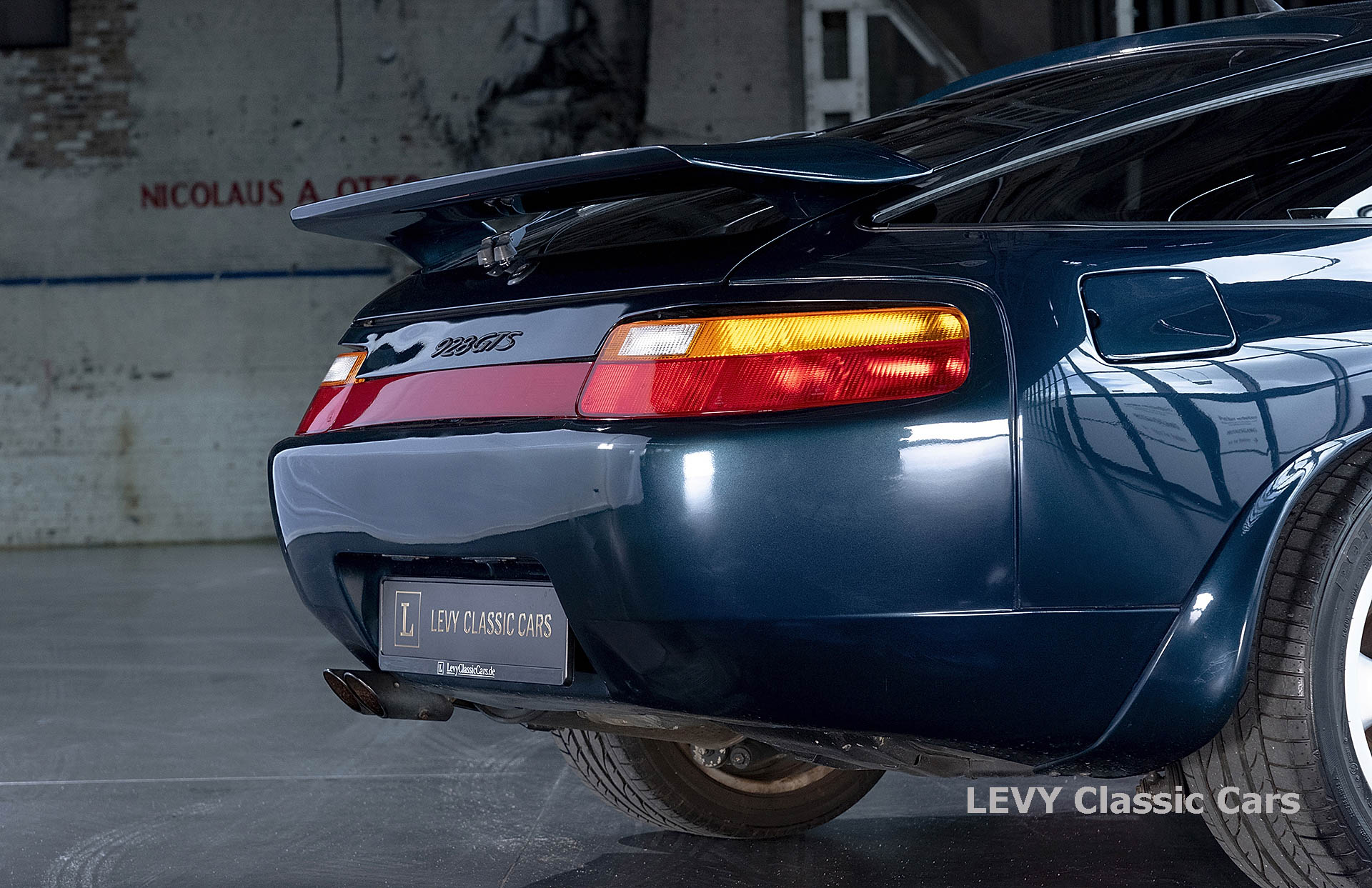 Porsche 928 GTS CC00803 046