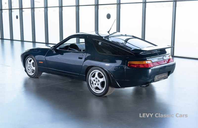 Porsche 928 GTS CC00803 055