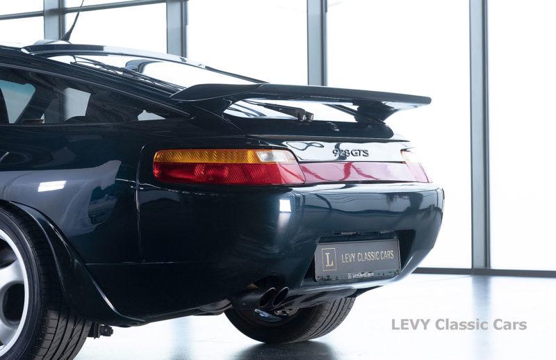 Porsche 928 GTS CC00803 057
