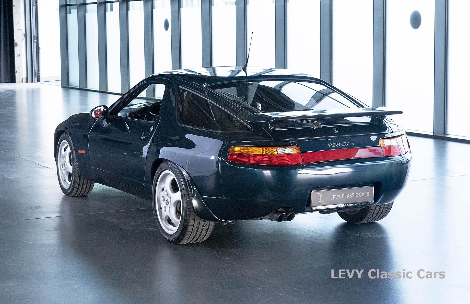 Porsche 928 GTS CC00803 063