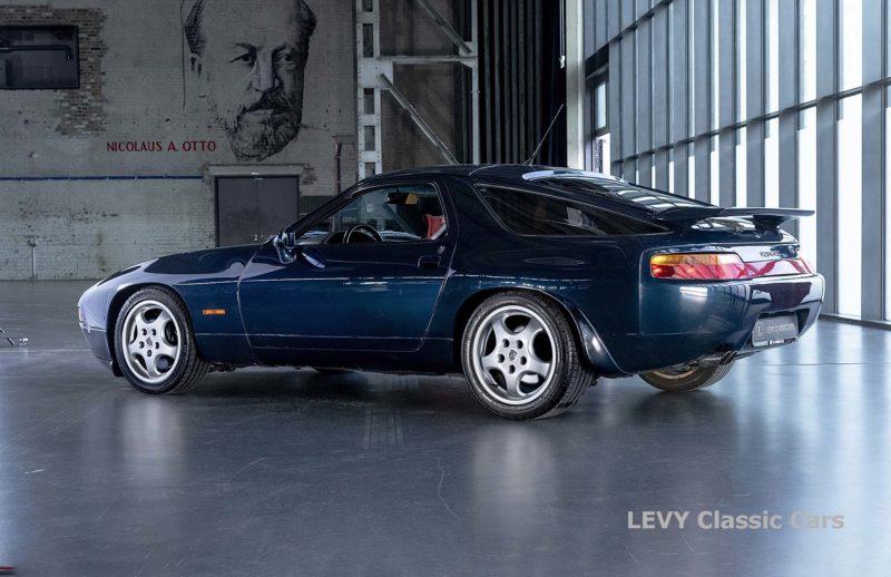 Porsche 928 GTS CC00803 067