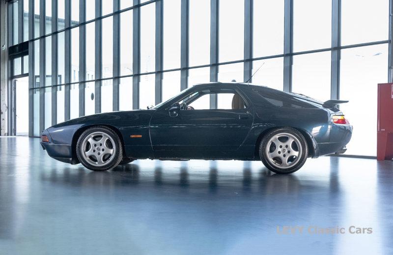 Porsche 928 GTS CC00803 071