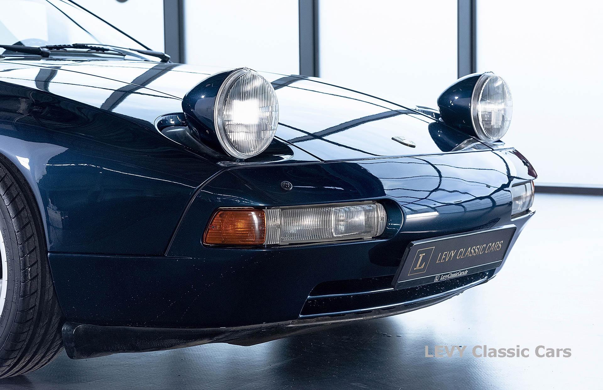 Porsche 928 GTS CC00803 086