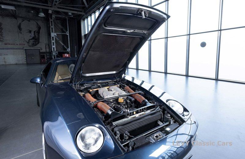 Porsche 928 GTS CC00803 087