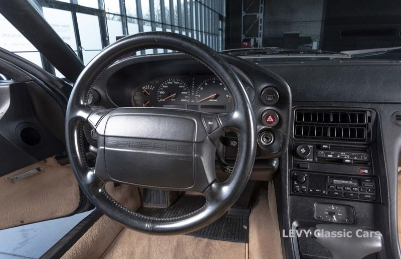 Porsche 928 GTS CC00803 096