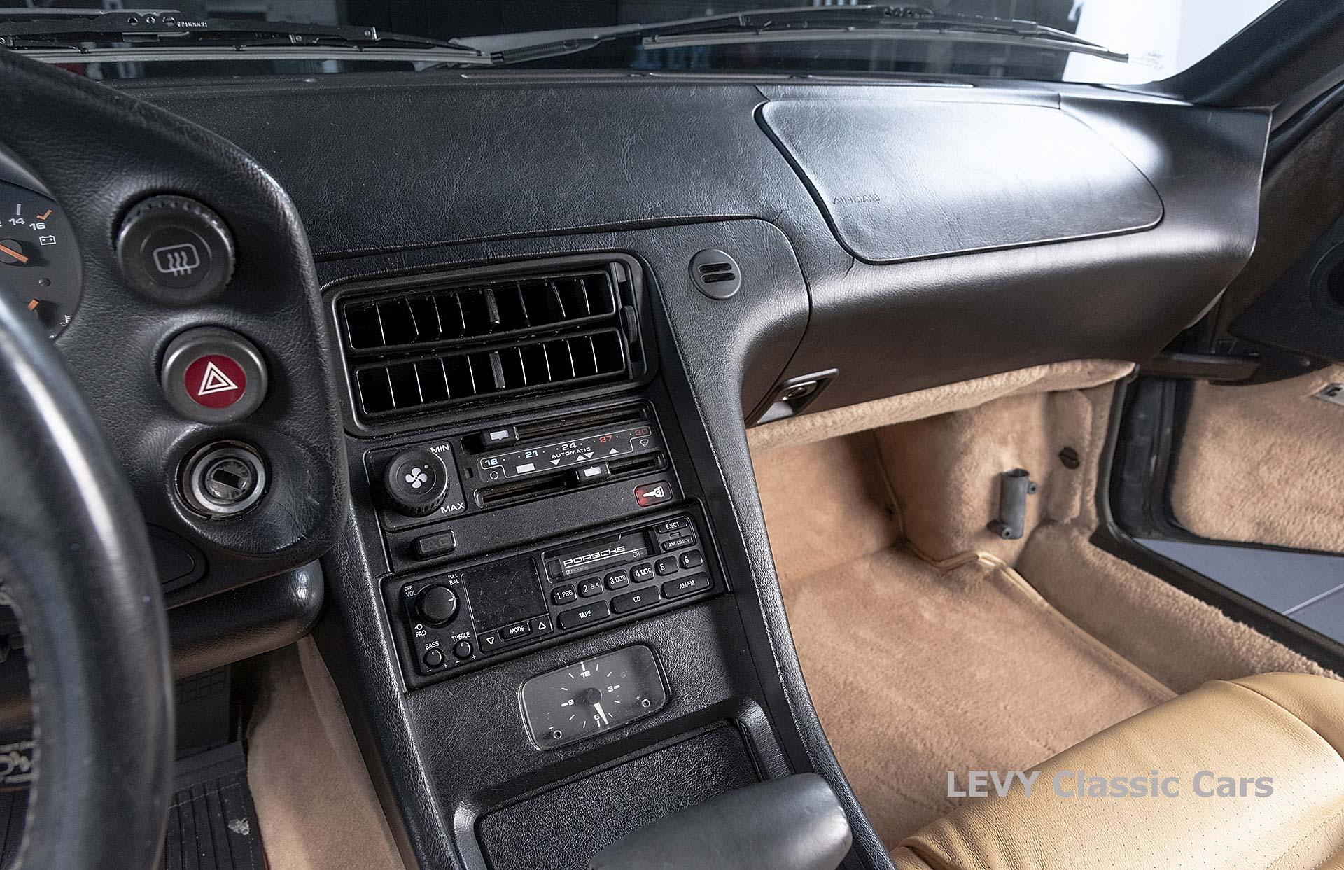 Porsche 928 GTS CC00803 098