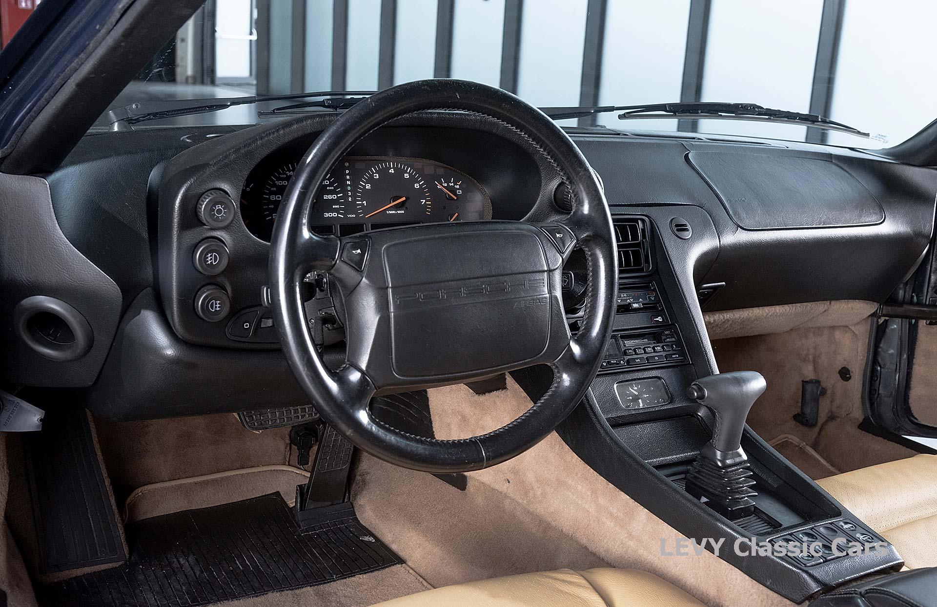 Porsche 928 GTS CC00803 115